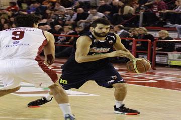 Basket. Casale amara per Barcellona