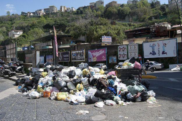 Milazzo. Emergenza rifiuti, sciopero operai Loveral. Sospesa la raccolta, Formica informa Prefetto