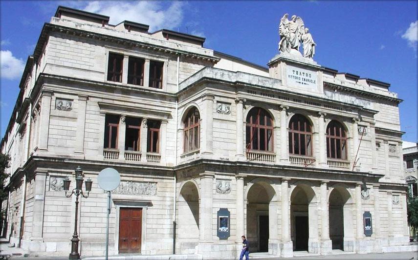 Il Teatro Vittorio Emanuele continua a vivere 'a distanza'