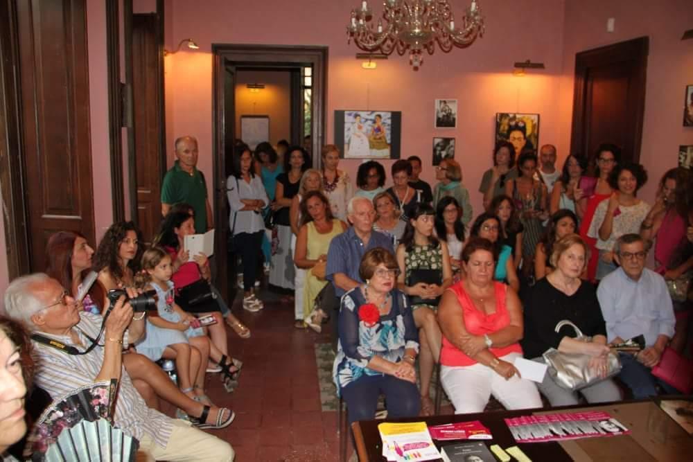 Barcellona PG. Grande successo per l'inaugurazione della Mostra-Studio su Frida Kahlo