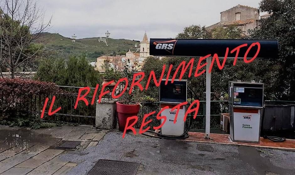 Novara di Sicilia. Battaglia vinta, resta aperto il distributore di carburanti. Ufficio postale, confronto con Poste Italiane