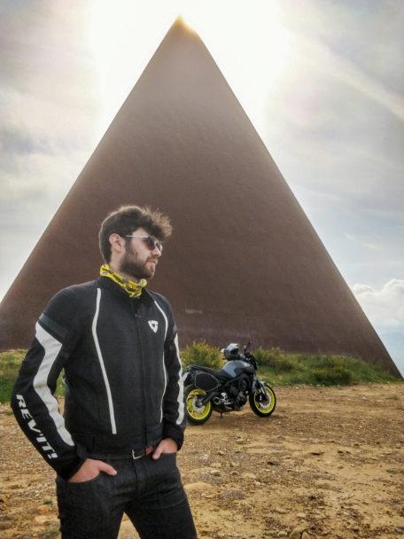 Barcellona PG. Il 'motovlogger' Marcel Mirabile all'Esposizione internazionale Eicma per la Sicilia