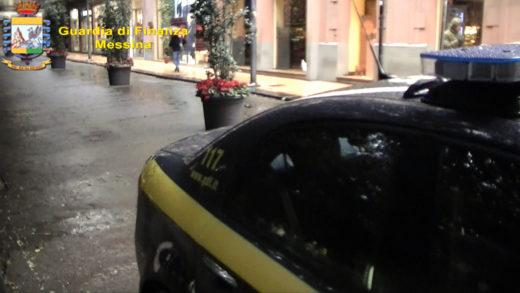 Saldi Anticipati. Controlli Guardia di Finanza di Messina: articoli privi di prezzi, negozianti rischiano 4.000 euro di sanzione