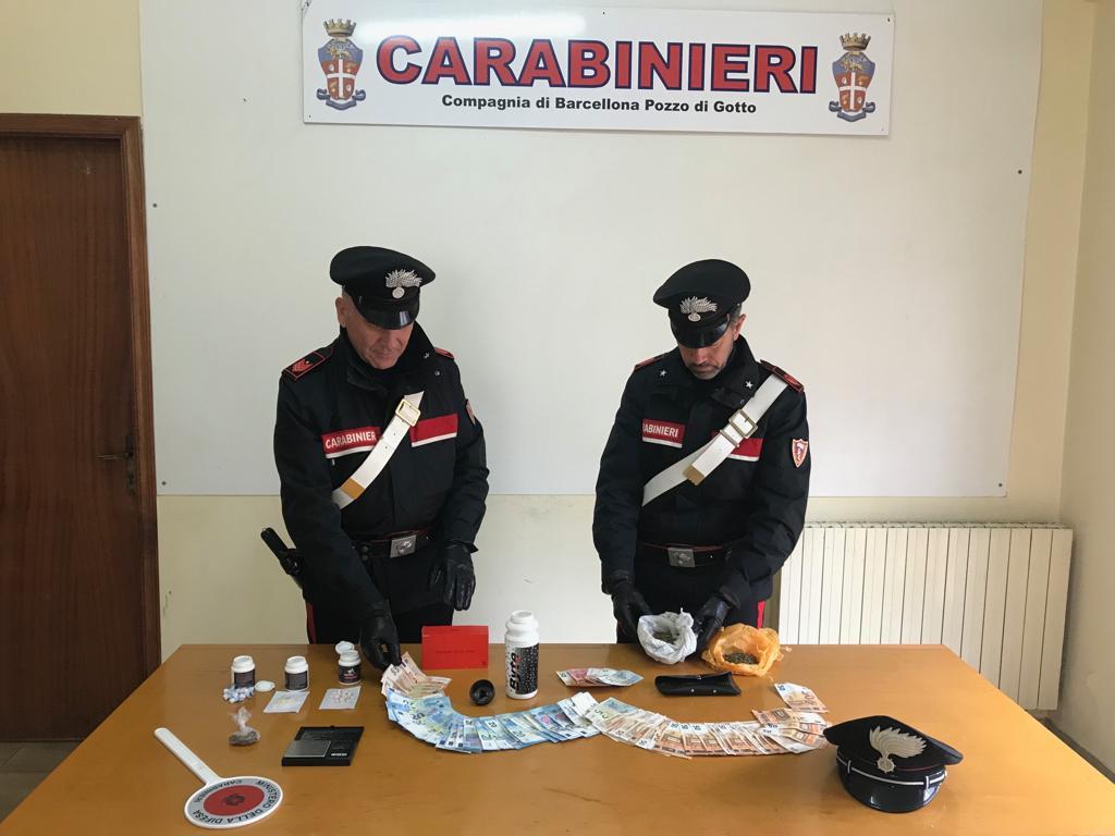 Barcellona PG. Carabinieri arrestano madre e due figli per detenzione di sostanze stupefacenti
