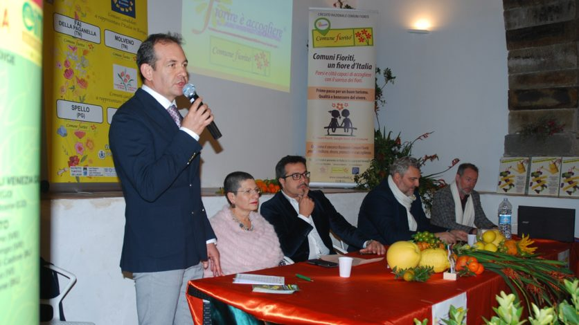 Sinagra, accoglie con successo i sindaci del 'buon vivere' di Comuni Fioriti