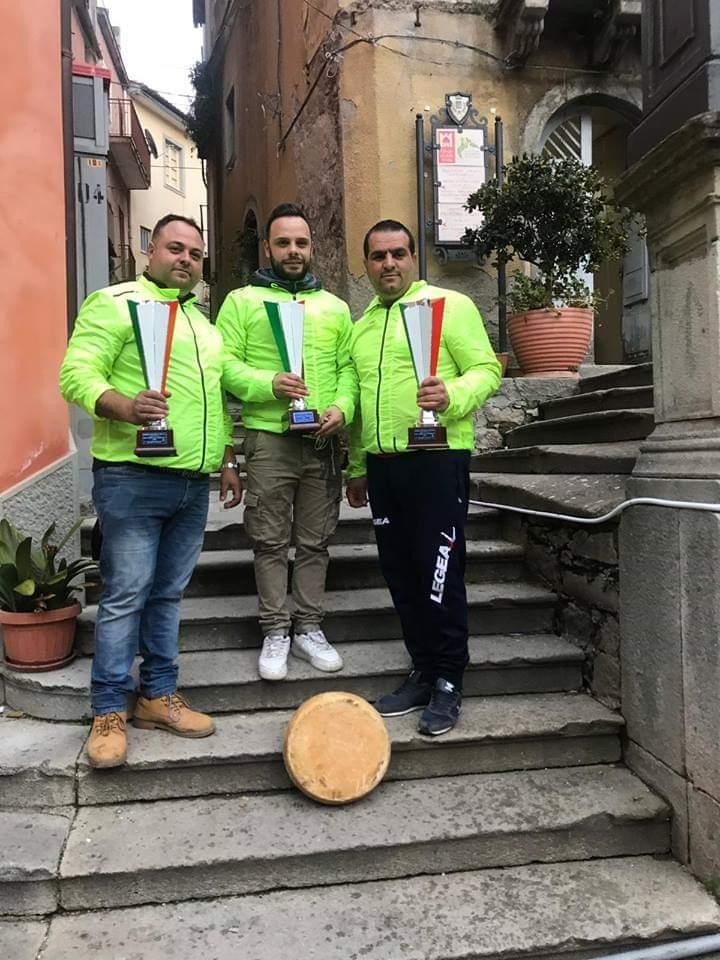 """Novara di Sicilia. La squadra """"Arancia"""" si aggiudica il XXXI Torneo del Maiorchino. Grandissimo afflusso di turisti per le vie del Borgo"""