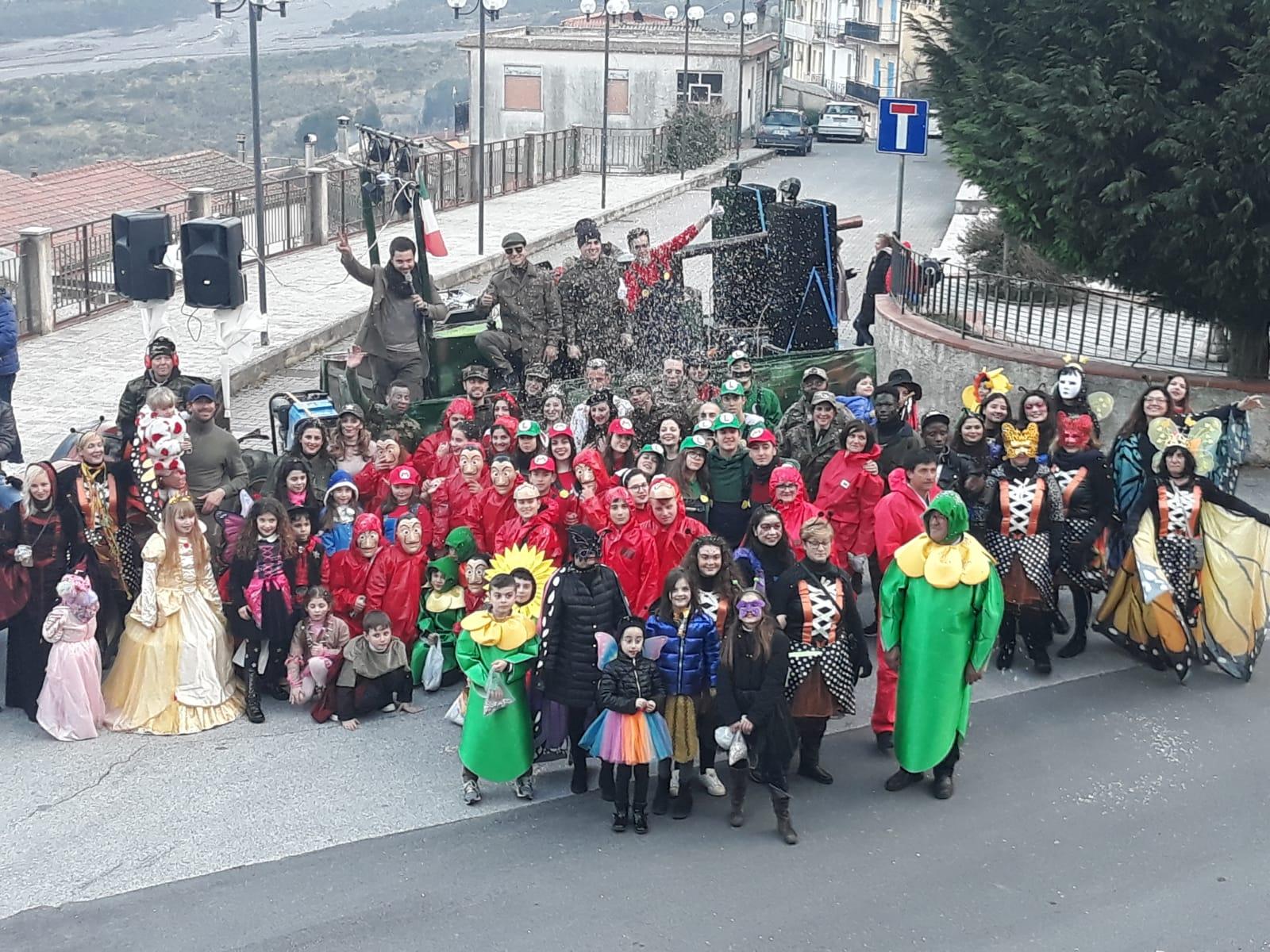 Fondachelli Fantina. Grande partecipazione per il Carnevale tra carri, musica e giochi
