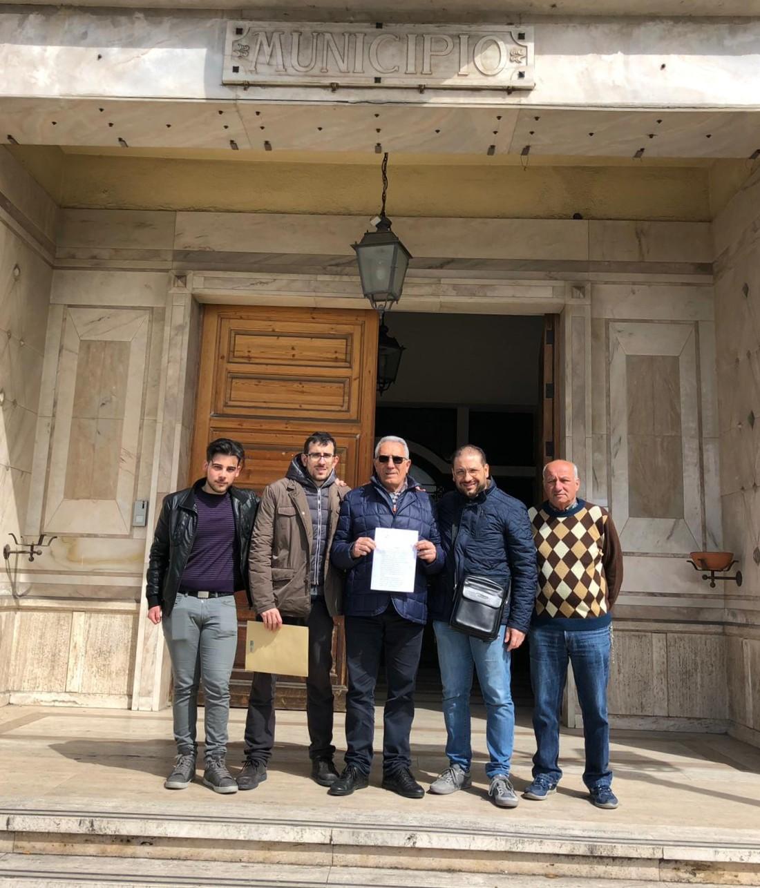 """Barcellona PG. Il meetup """"Barcellona in MoVimento"""" presenta proposta per mozione """"Plastic Free"""""""