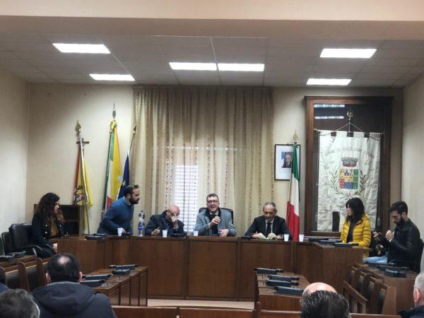 """Montalbano Elicona. Riqualificazione S.P. Falcone-Santa Barbara, Calderone: """"Collegamento prioritario per raggiungere ospedali e autostrada"""""""