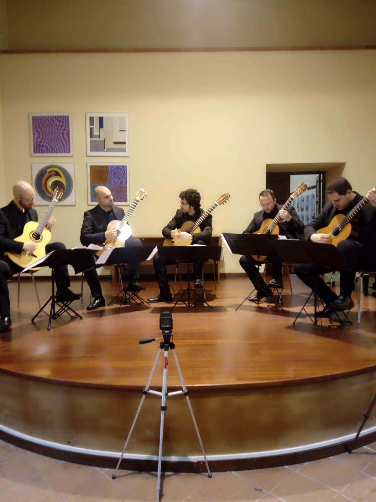 "Barcellona PG. Straordinario concerto del ""Mediterraneo Guitar Ensemble"" all'Auditorium Oasi"