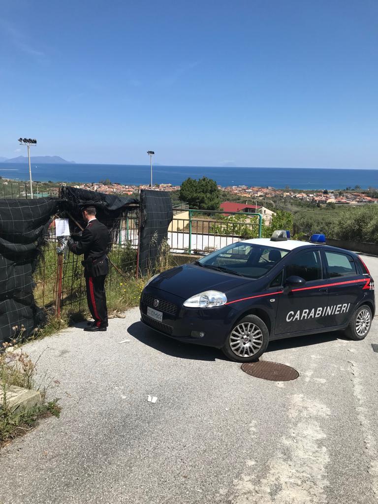 Falcone. Carabinieri sequestrano area comunale adibita abusivamente a deposito di veicoli