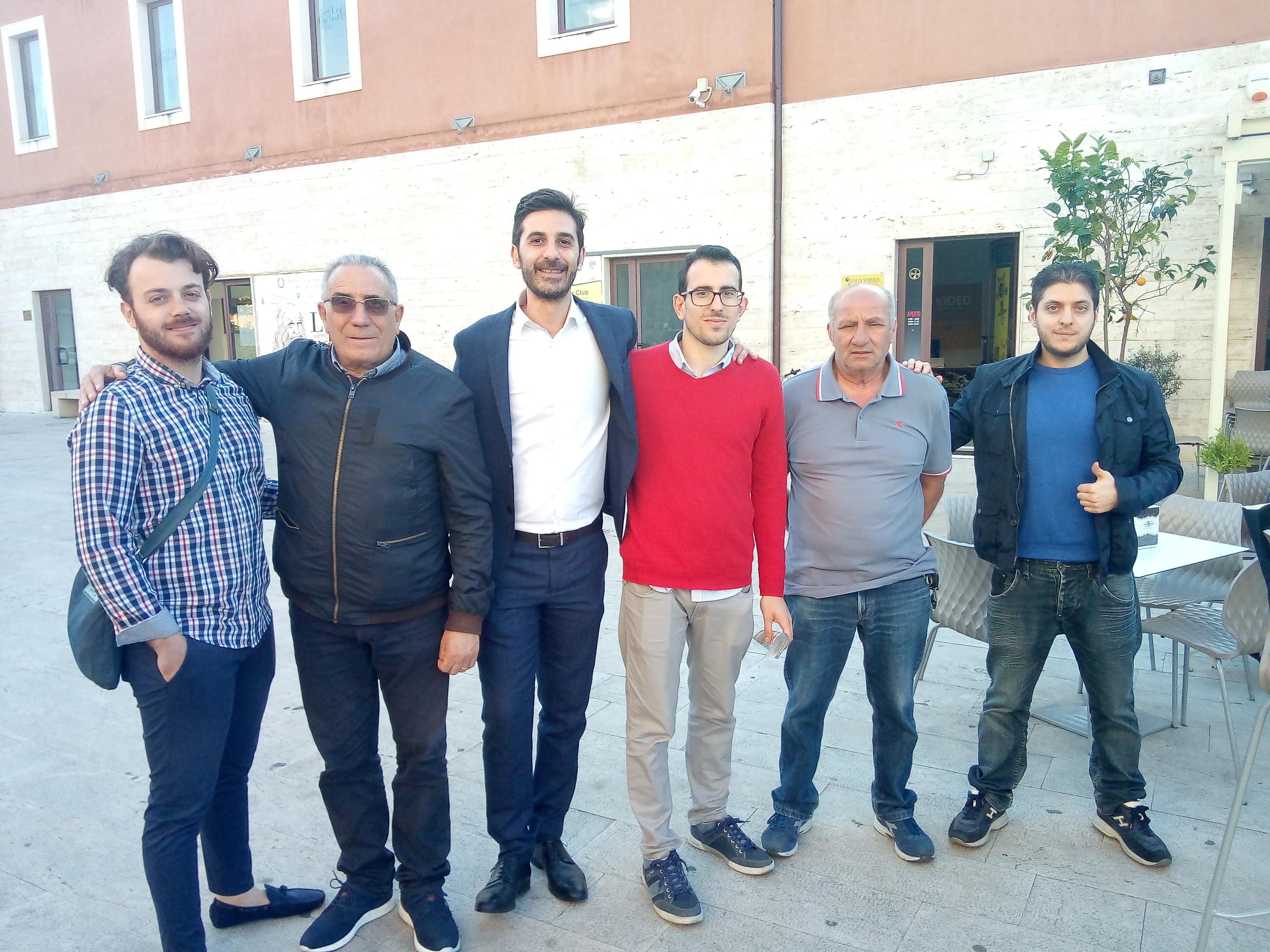 """Barcellona PG. L'On. Alessio Villarosa (M5S) incontra i cittadini in Piazza """"Seme d'Arancia"""""""