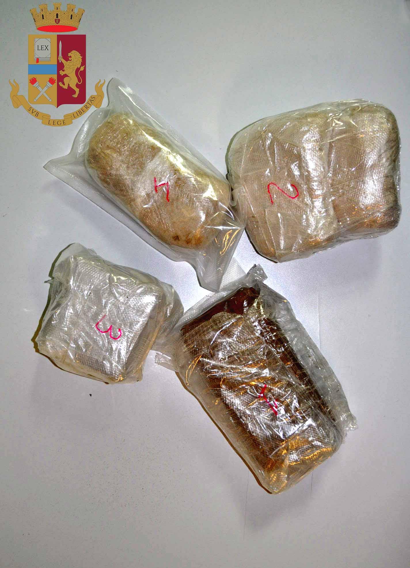 Servizi antidroga. Polizia di Stato arresta spacciatore di eroina