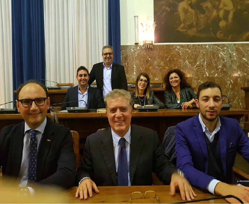Messina. Il M5s ci spera: dimissioni De Luca per dicembre un inaspettato regalo di Natale