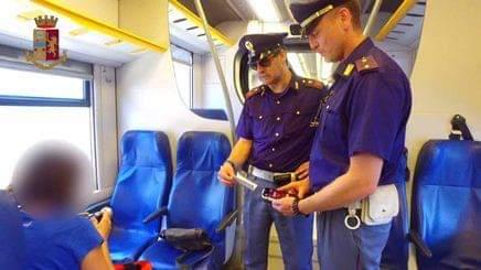 Messina. Sul treno con un documento rubato: arrestato 23enne siriano