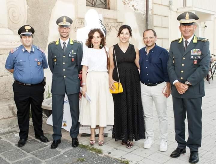 """Milazzo. Inaugurata la Mostra """"Com'eri vestita?"""" a Palazzo D'Amico"""