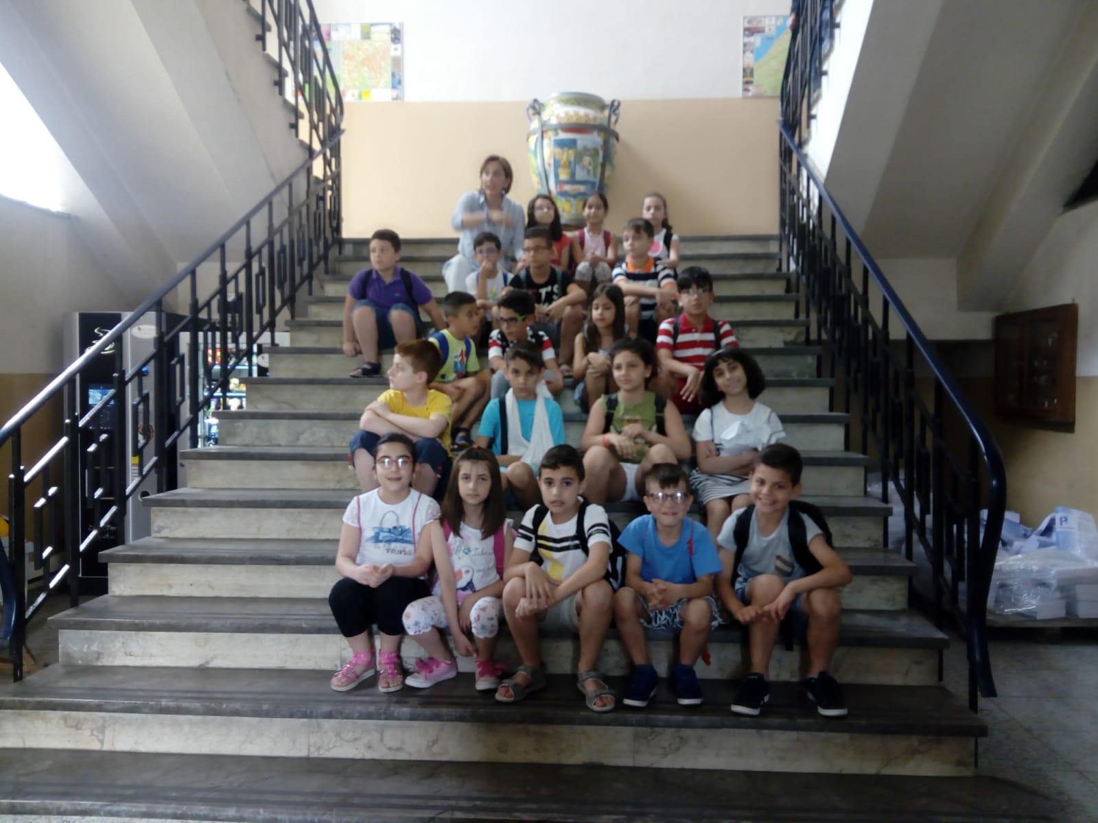 """Barcellona PG. Gli alunni delle classi III del Comprensivo """"Nino Pino Balotta"""" in visita a Palazzo Longano"""
