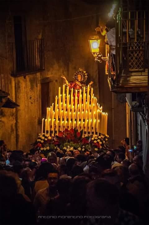 """Novara di Sicilia. Il 15 agosto si rinnova la """"magia"""" della Solenne Processione della Madonna Assunta"""