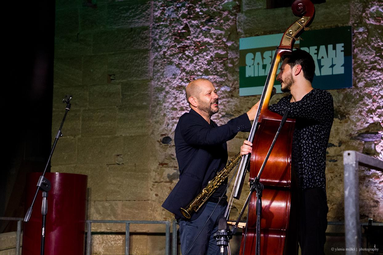 CastroeraleMilazzo Jazz festival. Il concerto all'alba a Milazzo con Alfio Antico e chiusura a Castroreale con Carmen Souza