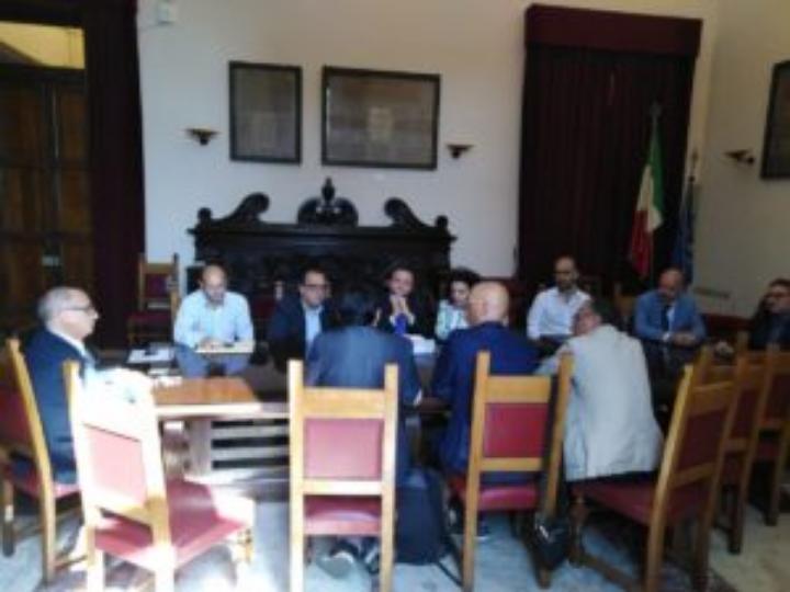 Messina. Pubblica illuminazione: si cerca di accelerare i lavori, dopo una battuta di arresto