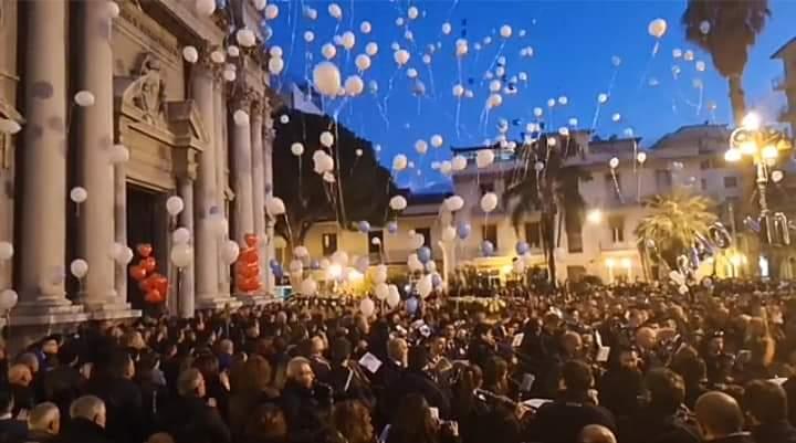 Barcellona PG. Quando un funerale si trasforma in una processione di 3 Angeli
