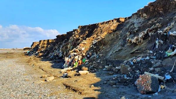 Milazzo. Discarica abusiva a Ponente, consegna area a ditta per sistemare rete blocca-rifiuti