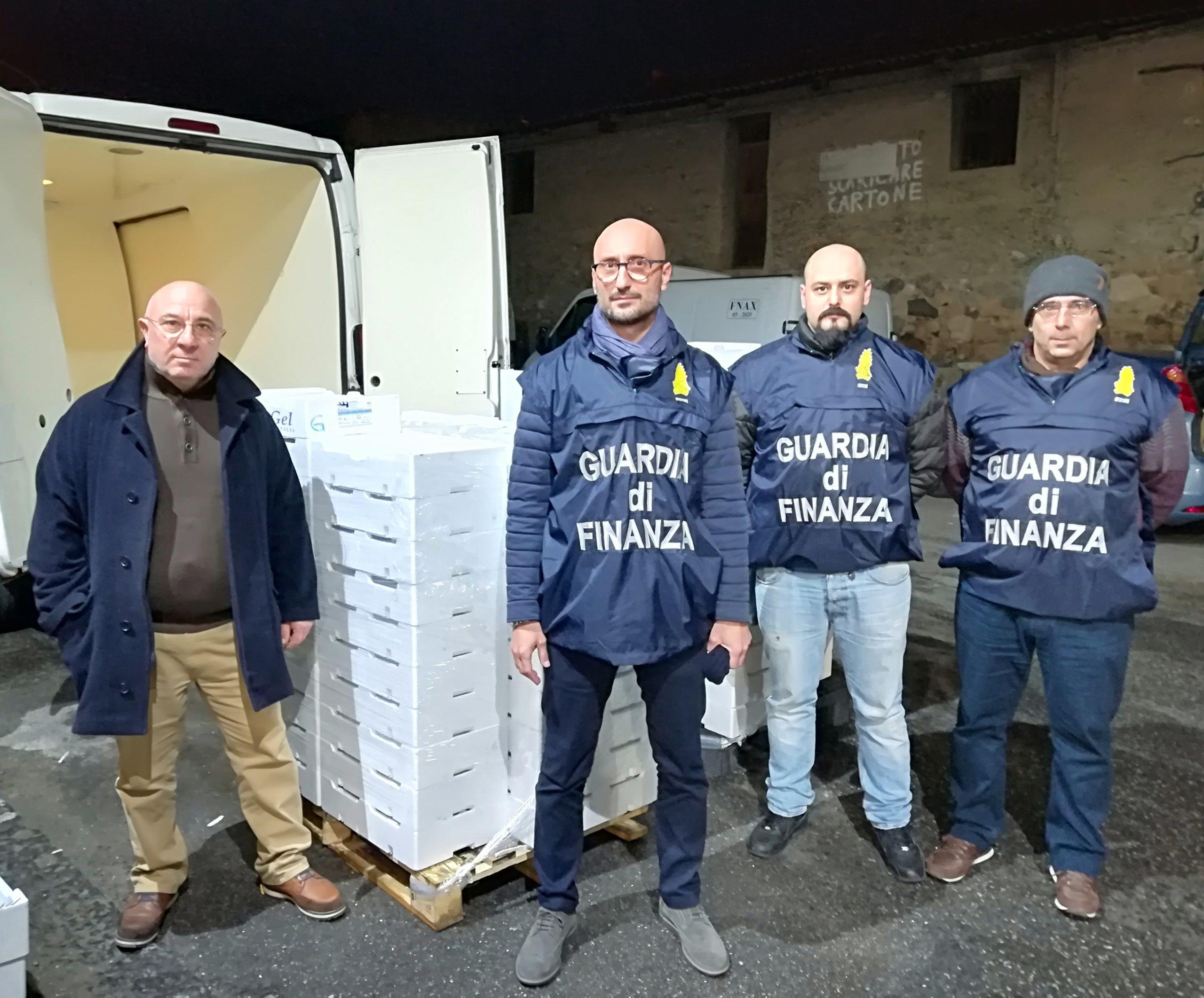 Messina. Pesca illegale: sequestrati e poi donati in beneficenza sette quintali di novellame
