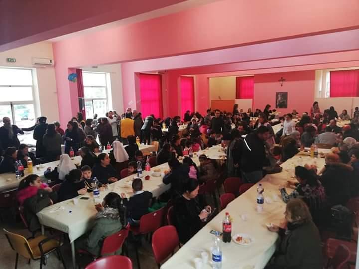 """Barcellona PG. Il """"Pranzo Solidale"""" per 200 persone bisognose presso l'Oratorio FMA"""