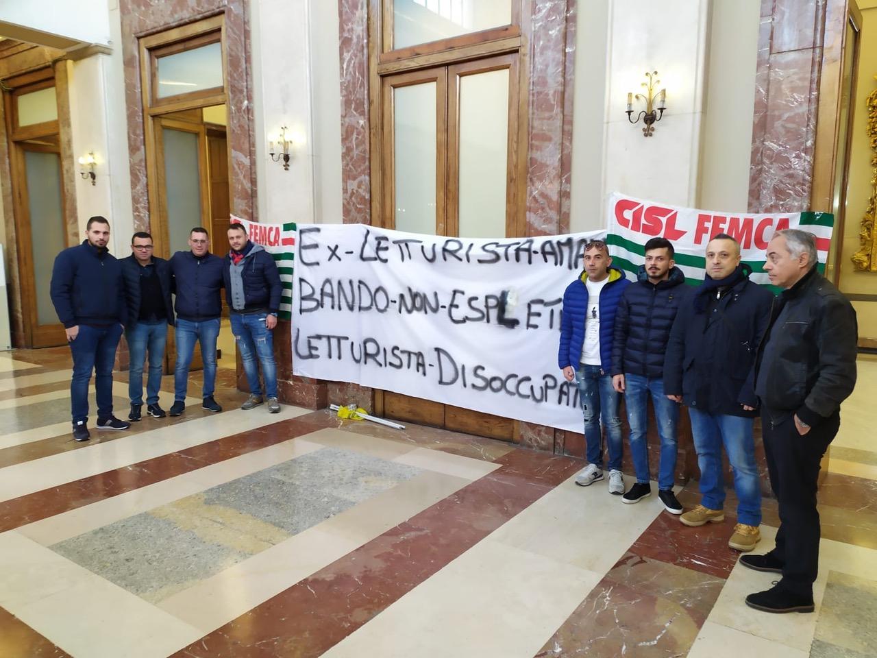 Messina. Letturisti Amam tornano a protestare a Palazzo Zanca