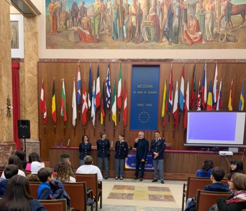 Polizia Postale e Comunicazioni Sicilia incontra scuole sui rischi delle nuove tecnologie