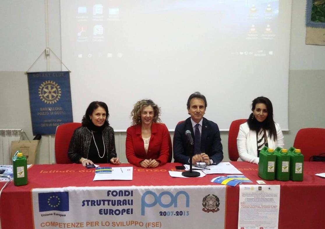 """Barcellona PG. Rotary presenta progetto Distrettuale """"RA.RI"""" su recupero oli esausti"""