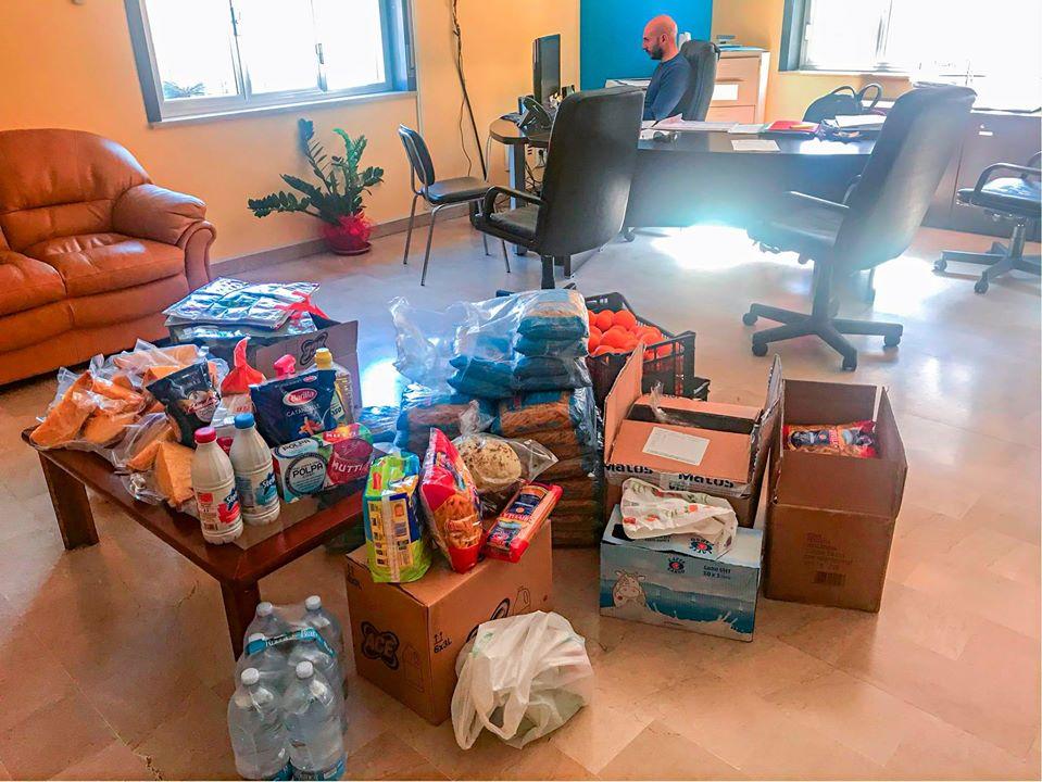 """Oliveri. 'Donare' nell'emergenza: """"Ho due bambini, non riesco a fare la spesa"""". Scatta la solidarietà', aperto Banco alimentare"""