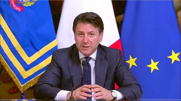 """Roma. Il premier Conte: """"Chiusura di tutte le attività produttive, è la sfida più difficile dal dopoguerra. Uniti ce la faremo!"""""""