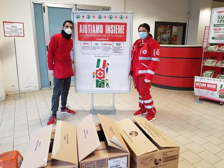 Barcellona PG. Raccolta alimentare della Croce Rossa ai supermercati 'MaxiSidis' e 'Despar/Interspar'