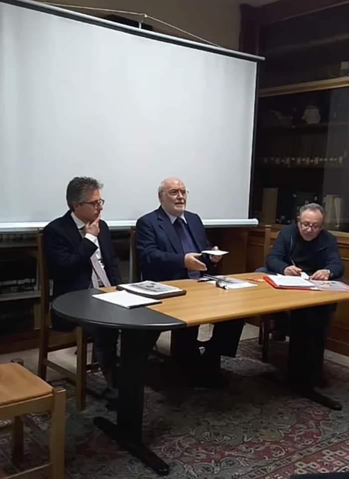 """Barcellona PG. Presentato alla """"Corda Fratres"""" il nuovo libro del Prof. Luigi Ferlazzo Natoli"""