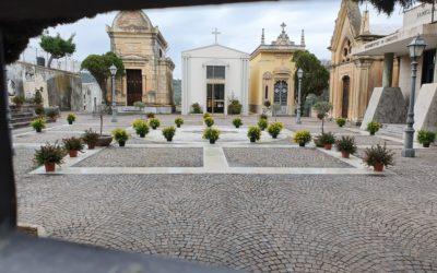 San Filippo Mela. Solidarietà e preghiera per i defunti, vivaio Amalfa dona piante al Cimitero