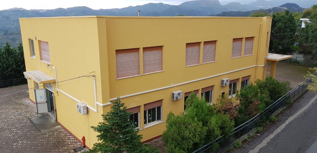 San Pier Niceto. Demoliti dal vento i pannelli fotovoltaici della 'Scuola Luciani'
