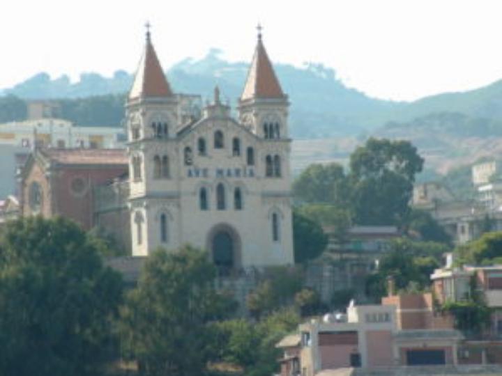 Messina. Madonna di Montalto, domani si rinnova la tradizione dell'offerta del cero votivo