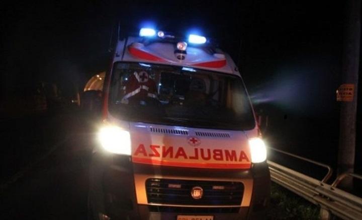 Tragico incidente su A/20 a Falcone, scontro auto-moto: morta 52enne